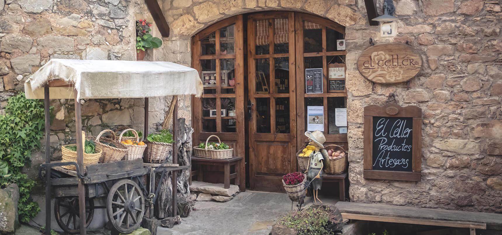 La nostre botiga des de fora, el Celler de Mura